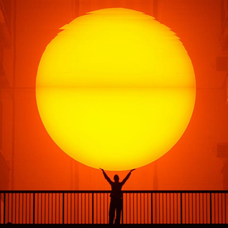 Olafur Eliasson The Weather Project , Tate Modern, Londres, 2003