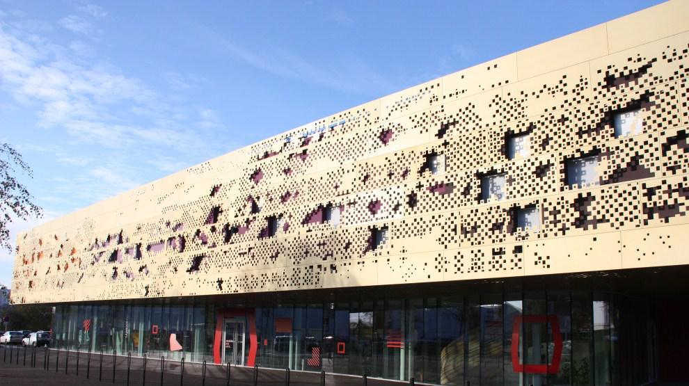 Le bâtiment de la Maison des Arts